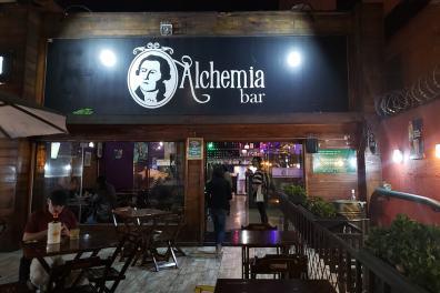 Melhores bares de Curitiba- Tour-Comida-de-boteco - Alchemia
