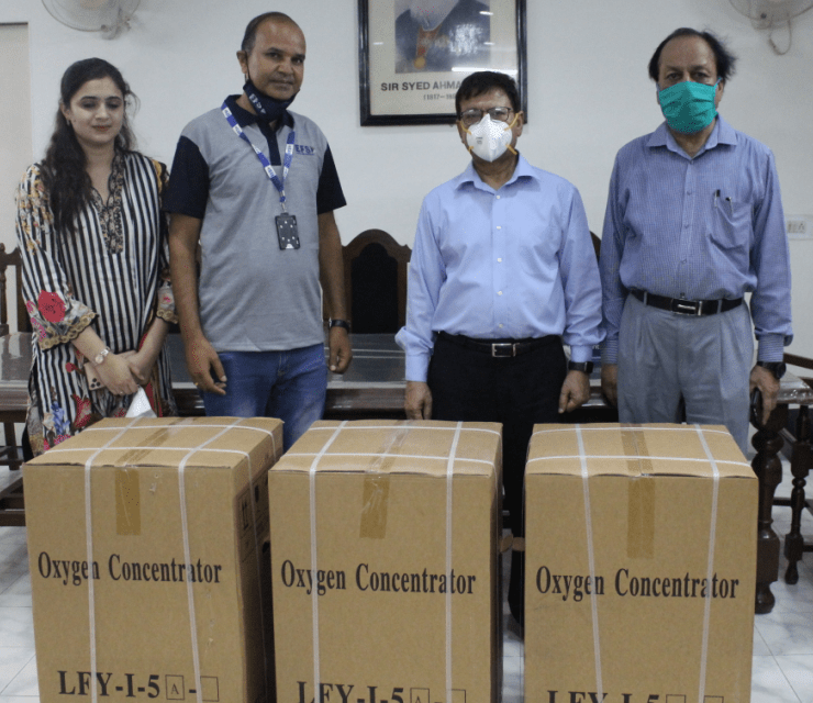 AMU Alumnus Donates Oxygen Concentrators To JNMCH