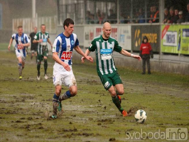 Het waterballet van FC Zenit Caslav