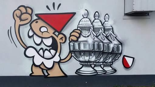 De nieuwe graffiti van de Utrechtse Kabouter, verwijzend naar de drie bekerwinsten van FC Utrecht