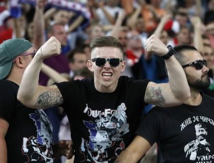Rusland hooligans in Marseille