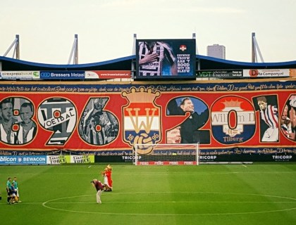 Willem II 120 jaar: Spandoek Tilburg Tifosi