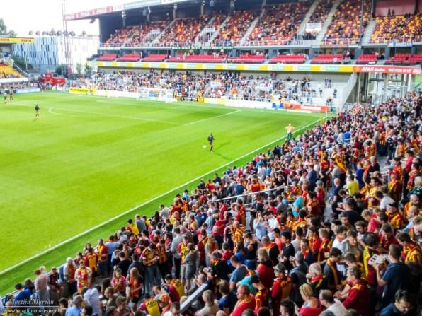 Met gevoel voor voetbalcultuur: Lekker, die staanplaatsen!