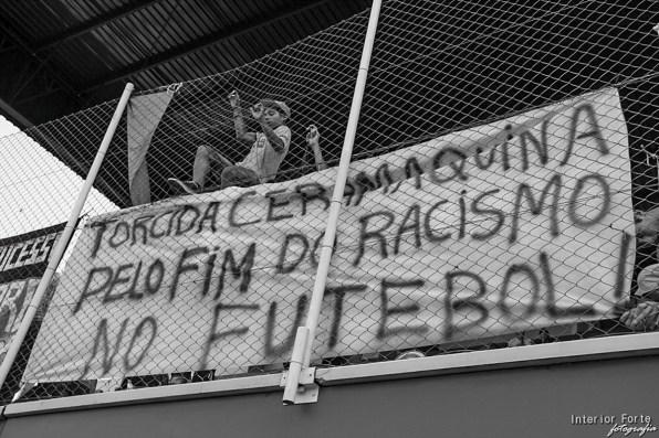 Shot van de Torcida do Cerâmica (Estádio Estádio Antônio Vieira Ramos, Gravataí)