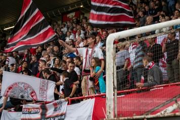 De fanatieke fans van RWDM