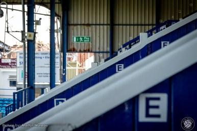 The South Stand werd bijna 100 jaar geleden gebouwd, prachtig afgewerkt hout