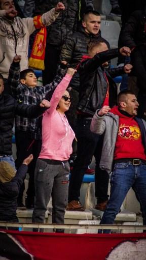 Ultras Guerrils meid op de tribune