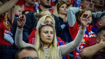 Vrouwelijke Wisla Krakau supporter