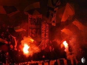 Young-Boys - Feyenoord-pyro (4)