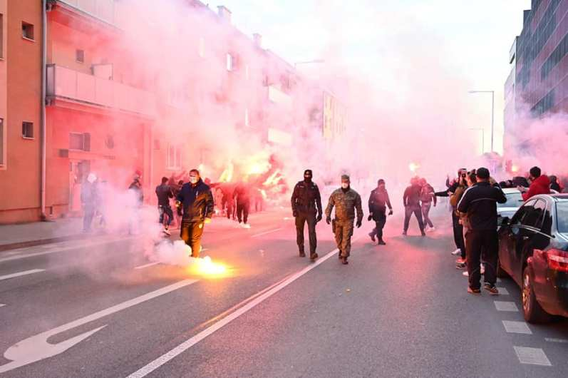 Feest na derbywinst op 17 april (foto via Ultras Spartak Trnava).