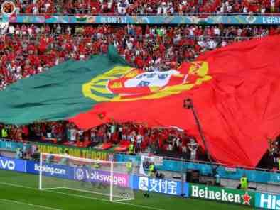 De Portugese zijde (foto via Unterwegs-in-Sachen-Fussball).