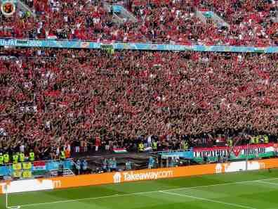 Het uitverkochte stadion (foto via Unterwegs-in-Sachen-Fussball).