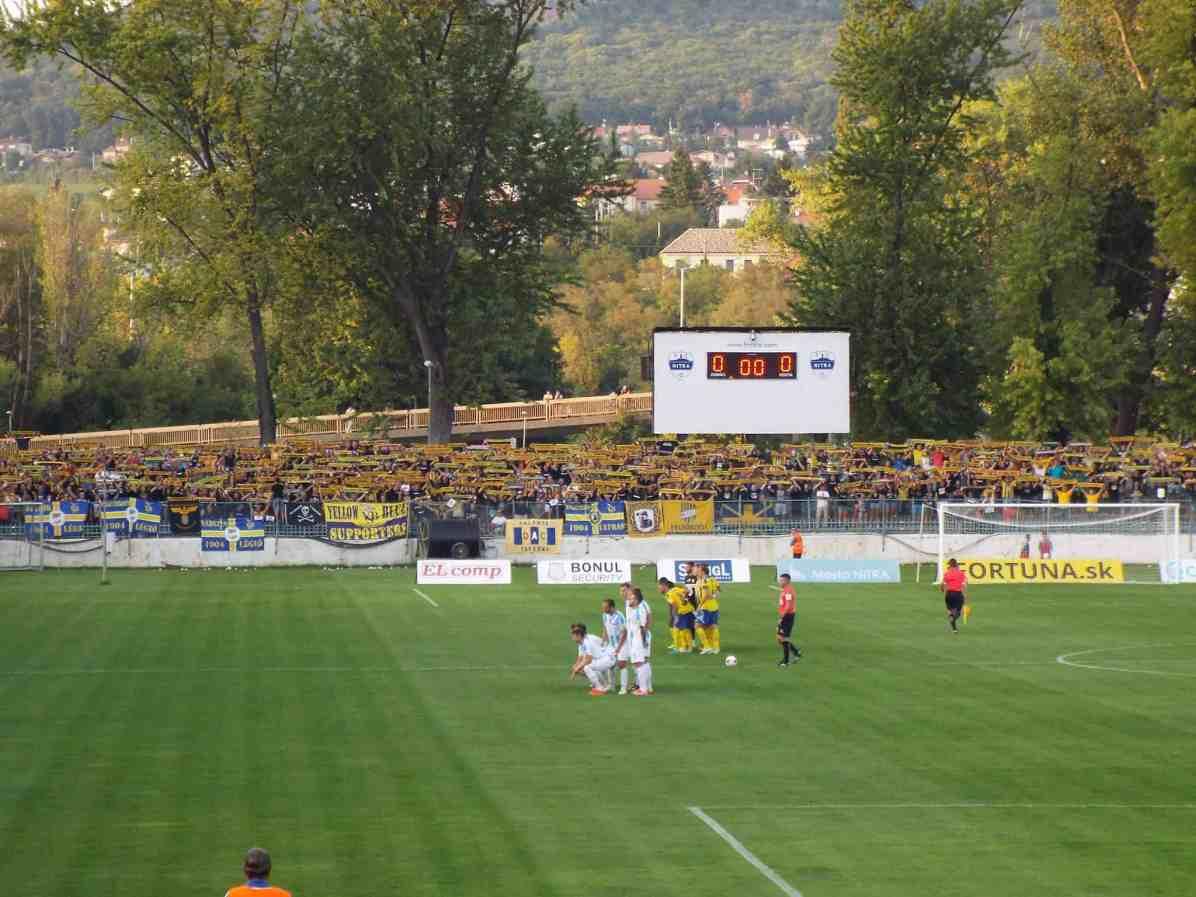 De supporters van DAC (foto via Mentalita Magazine).