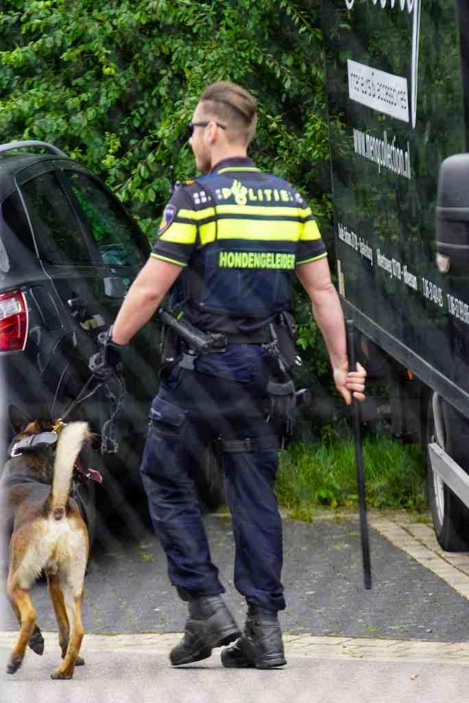 Politiehond bij Ijsselmeervogels - Quick Boys