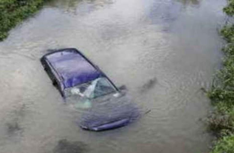 Sicilia. Auto vola da cavalcavia e finisce sott'acqua: morto 24enne