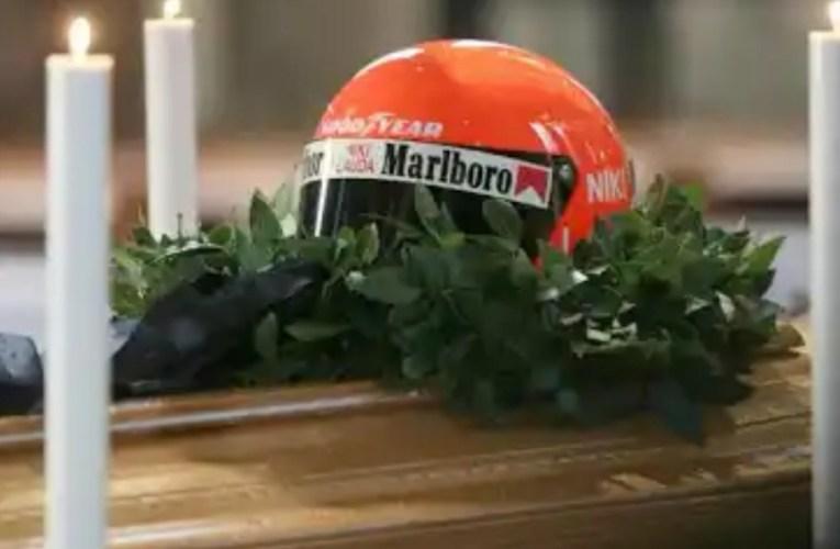 L'ultimo saluto a Niki Lauda.