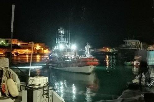 Lampedusa, sbarcano in 100. Altri 100 entrano dalla Slovenia