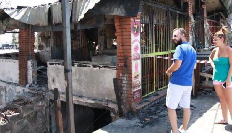 Catania il giorno dopo gli  incendi sul litorale: La Playa devastato |VIDEO