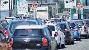 Controesodo, code sulle autostrade non solo per i rientri ma anche per lo sciopero dei casellanti
