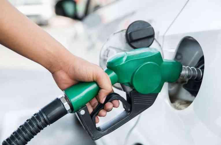 Benzina, nuovi aumenti