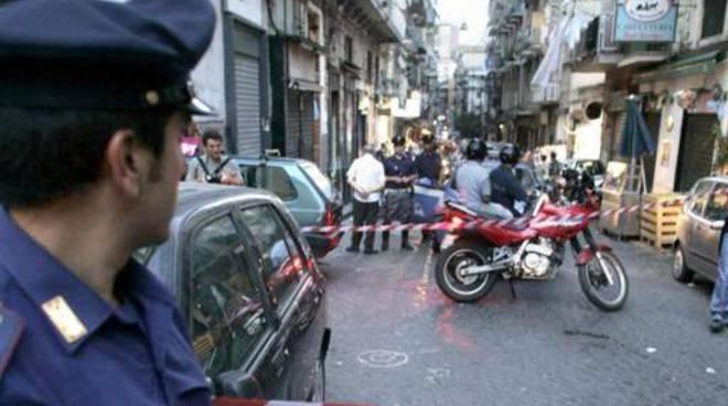 Napoli, carabiniere uccide ragazzo di 15 anni che tentava di rapinarlo