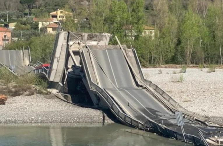 Massa-Carrara, crolla il ponte che collega Santo Stefano Magra e Albiano: precipita furgone
