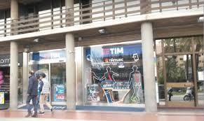 Palermo, furto in pieno centro: preso d'assalto  negozio di telefonia