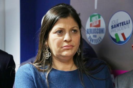 La Calabria va contro le disposizione del Governo, vuole riaprire bar e ristoranti subito. È scontro!