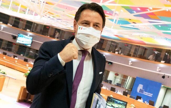 """Recovery Fund, """"l'Italia può togliersi la mascherina"""". Accordo firmato: all'Italia 209 miliardi"""