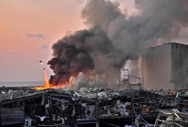 Beirut, devastante esplosione al porto: oltre 300.000 persone rimaste senza casa|VIDEO