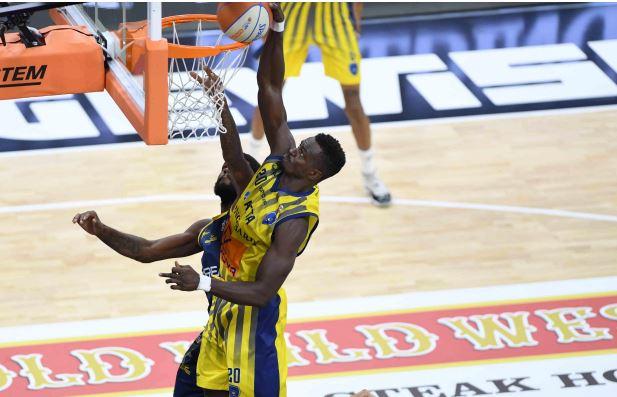 Orlandina Basket: Abdel Fall il pivot titolare.