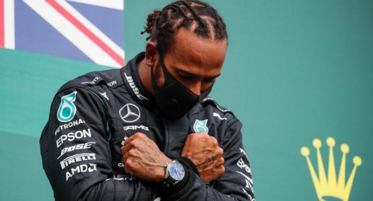 """Gp Belgio: trionfo di Lewis Hamilton nel segno di """"Black Panther"""""""