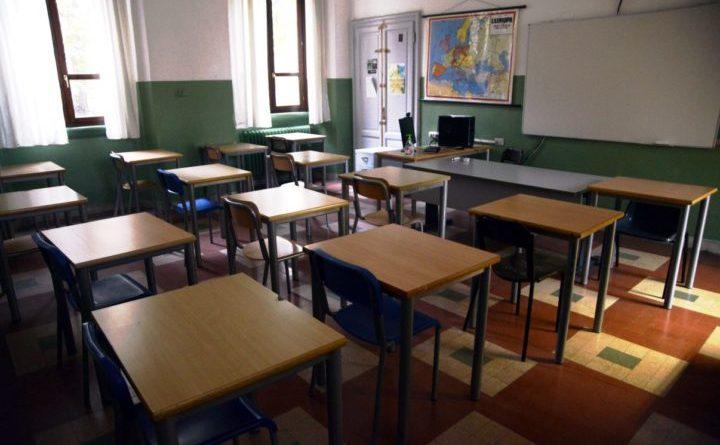 Ancora una settimana di chiusura per le scuole primarie e secondarie di primo grado di Capo d'Orlando