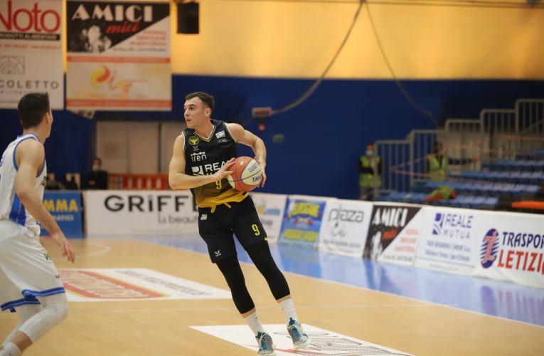 Basket Torino vince di misura 72-71, ma l'Orlandina recrimina nell'ultima azione di gioco.