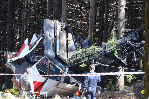 Tragedia a Stresa: precipita una cabina della funivia: salgono a 14 i morti. Deceduto uno dei bambini feriti