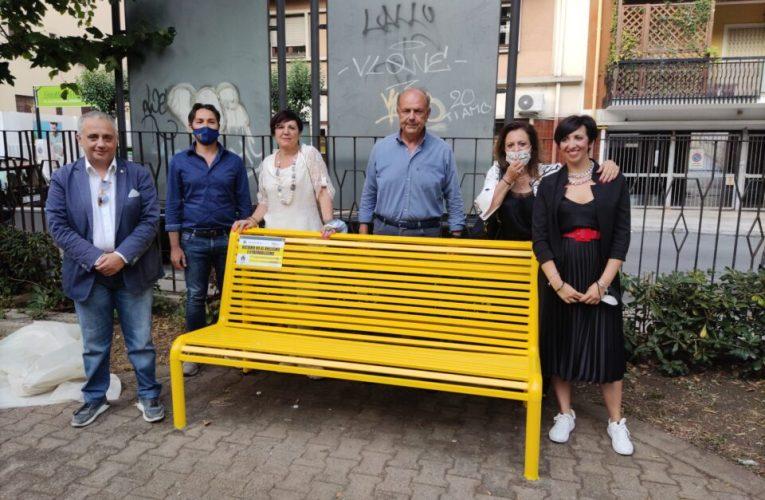 Inaugurata a piazza Nastasi la panchina contro il bullismo
