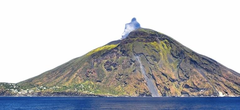 Isole Eolie, Protezione civile: allerta gialla per l'isola di Vulcano.