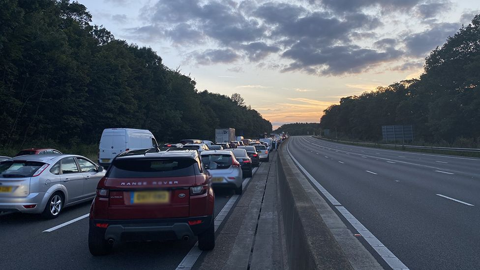 Three dead and two arrested after tragic crash on the M25 involving multiple vehicles