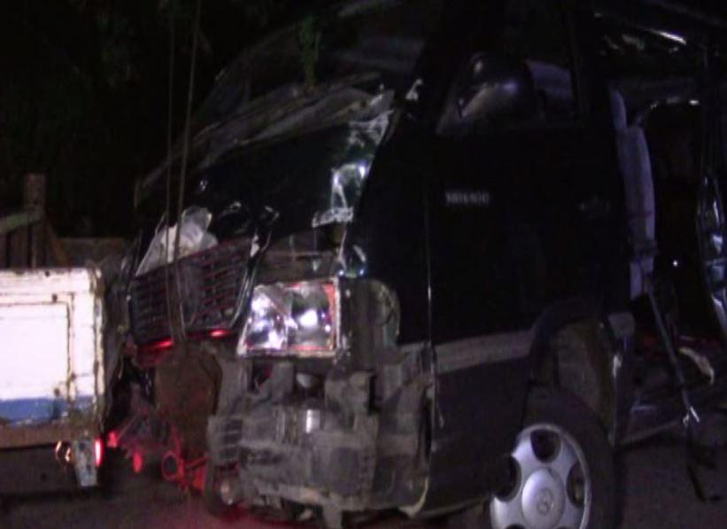 Van collides with Galle train