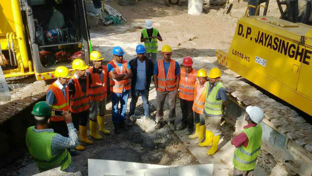 D.P. Jayasinghe unveils Sri Lanka's first-ever 3000mm diameter drilling rig