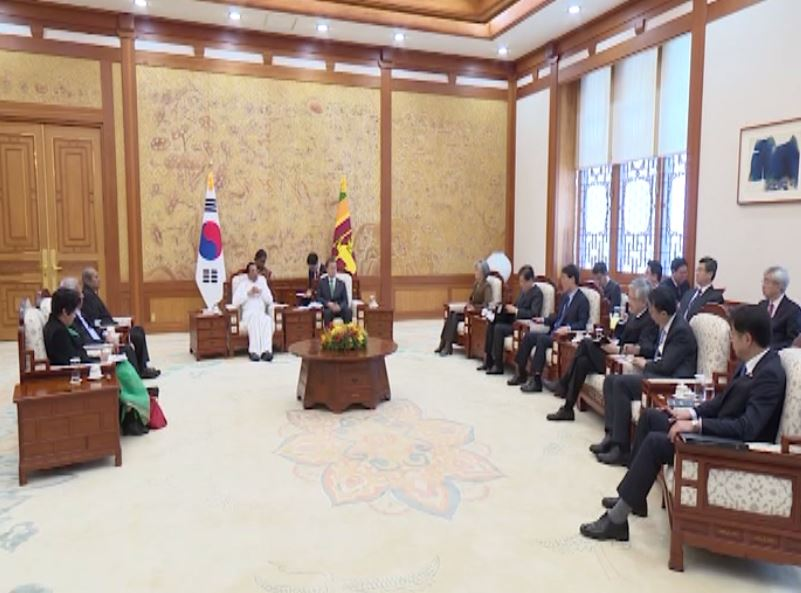 Memoranda signed, more employment avenues open for Lankans as President meets South Korean Counterpart