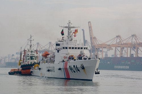 Two Bangladesh Coast Guard ships arrive at Sri Lanka's port of Colombo