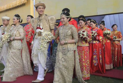 Sri Lanka holds mass wedding ceremony for 100 Chinese couples