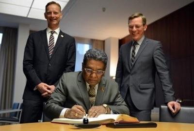 Ambassador pays an official visit to Bremen