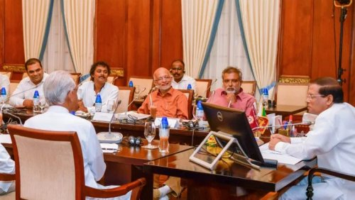 President instructs to appoint a special committee to look into professional issues of regional correspondents