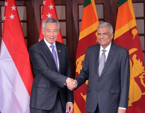 Sri Lanka, Singapore Premiers discuss stepping up cooperation through trade, investment