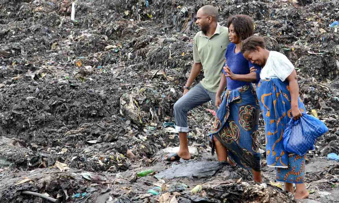 Mozambique: 17 die after garbage 'mountains' collapse on to homes