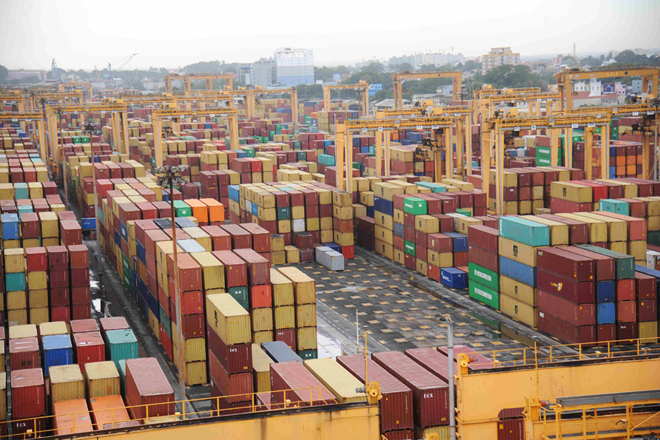 Colombo Port aims to handle 7 million containers this year