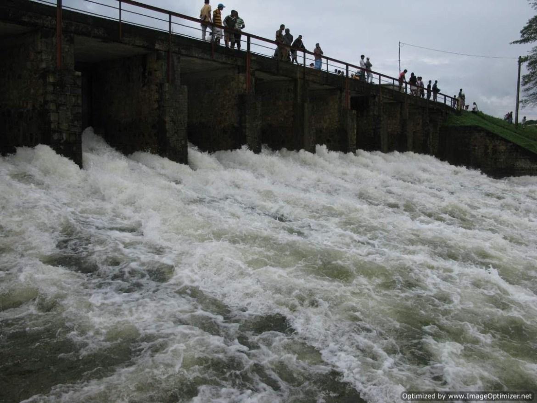 Sluice gates of Parakrama Samudraya in north central Sri Lanka opened, residents warned