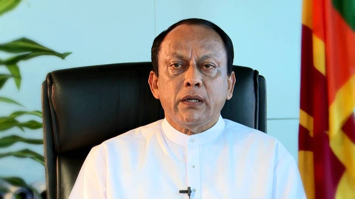 SLFP MPs cannot oppose no-confidence against PM – Lakshman Yapa